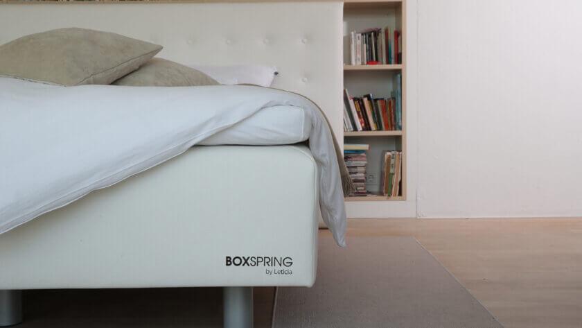 oblazinjena-postelja-boxspring