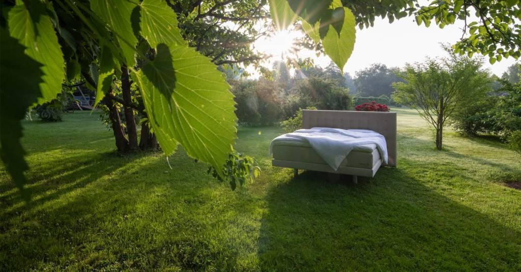 Postelja boxspring - eko ponudba. Izdelano v Sloveniji - postelje po meri za kvalitetno spanje. Maremico spalni center.
