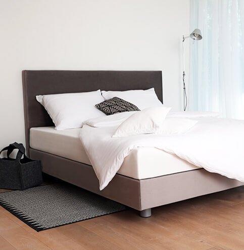 Boxspring postelja Base - postelje po meri za dovršeno spanje. Maremico spalni center za podporo telesu.