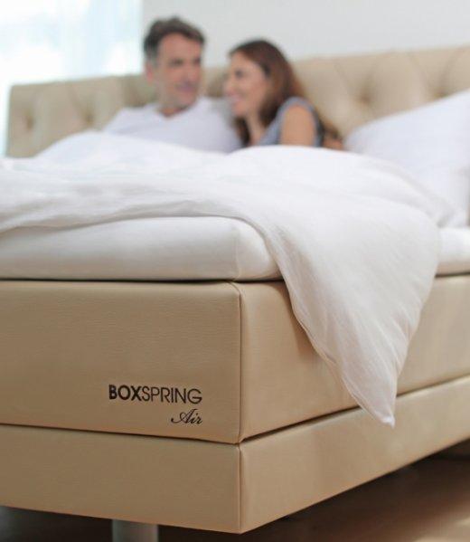 Boxspring postelje – Air model. Postelje po meri. Ročno izdelane postelje boxspring. Brezplačna montaža v Maremico spalnem centru.